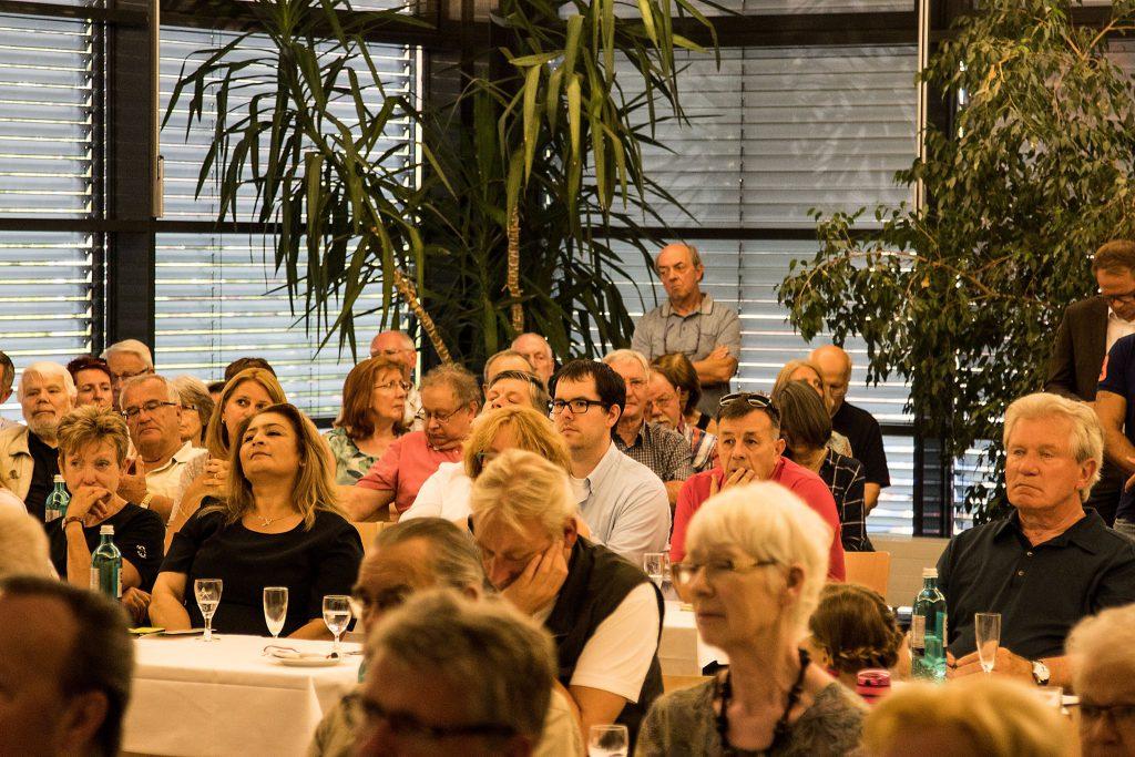 Rund 140 Gäste waren zu Diekmanns KICKOFF gekommen.