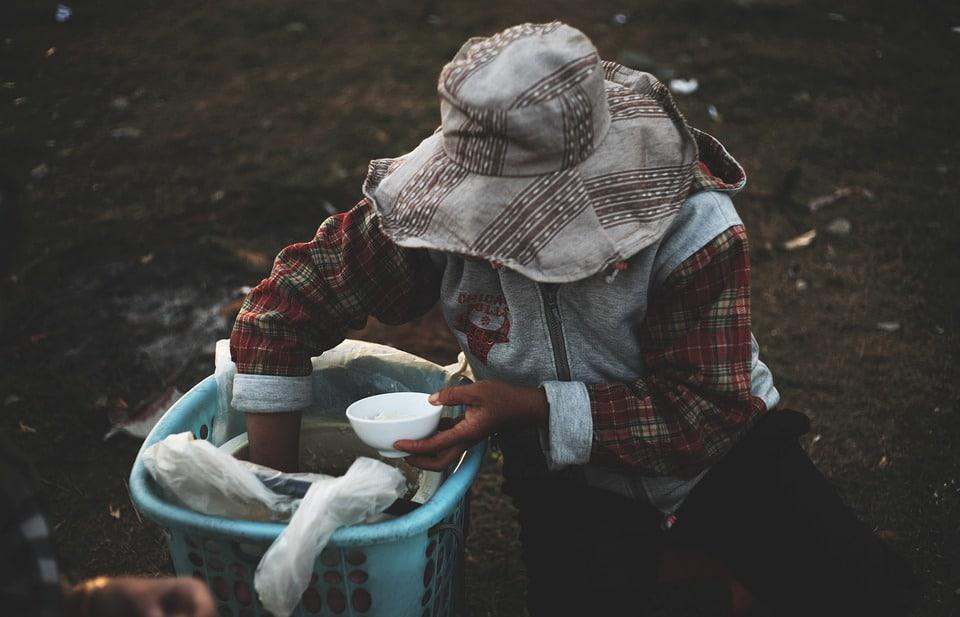 Aktion eine Schale Reis: Armut ist Real.